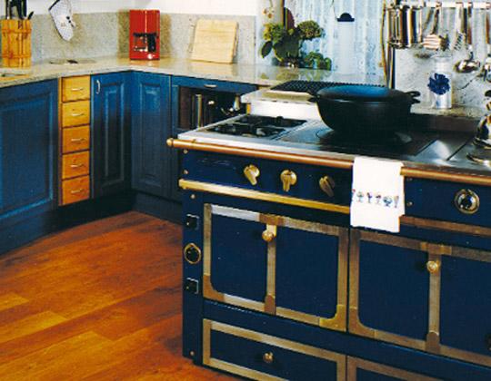 massivholzarbeitsplatten k chen arbeitsplatten ge lte arbeitsplatten edelstahl kch. Black Bedroom Furniture Sets. Home Design Ideas